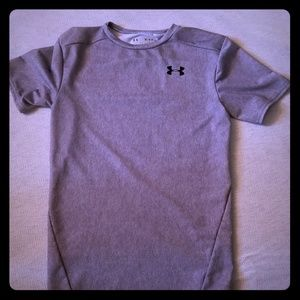 **5/25** Youth Under Armour Heat Gear Top